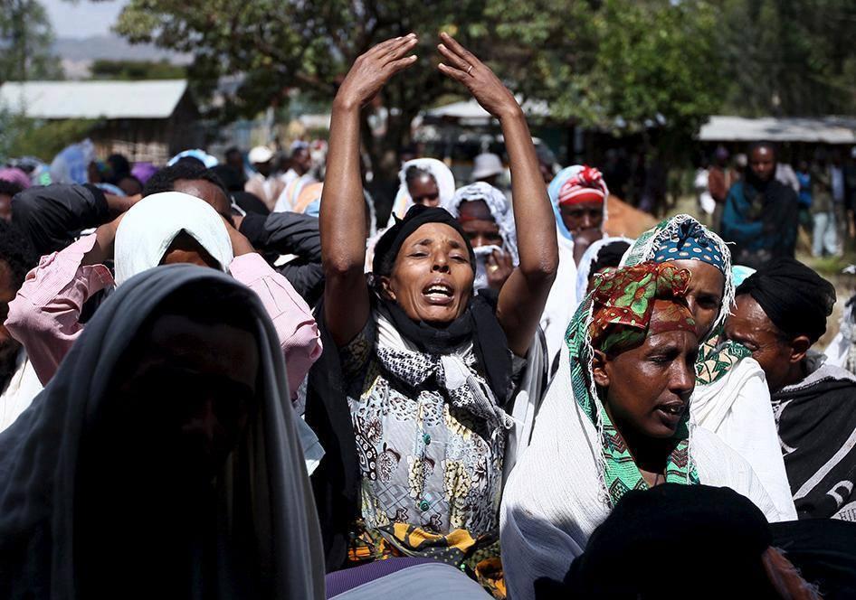 A funeral ceremony of a boy killed during demonstration. Holonkomi, Oromia, Ethiopia December 17, 2015. [REUTERS/Tiksa Negeri]