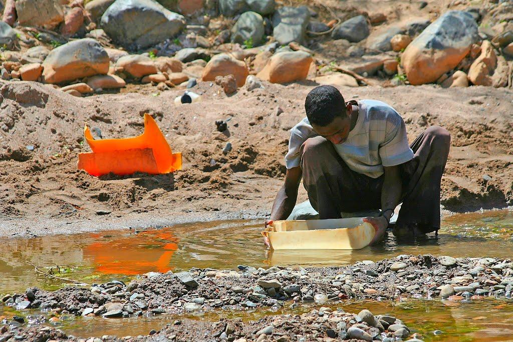 Photo - Panning for gold in Arakwa river, Tigray, Ethiopia
