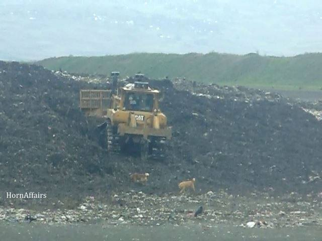 Photo - Sendafa Landfill, A truck pushing the pile of garbage