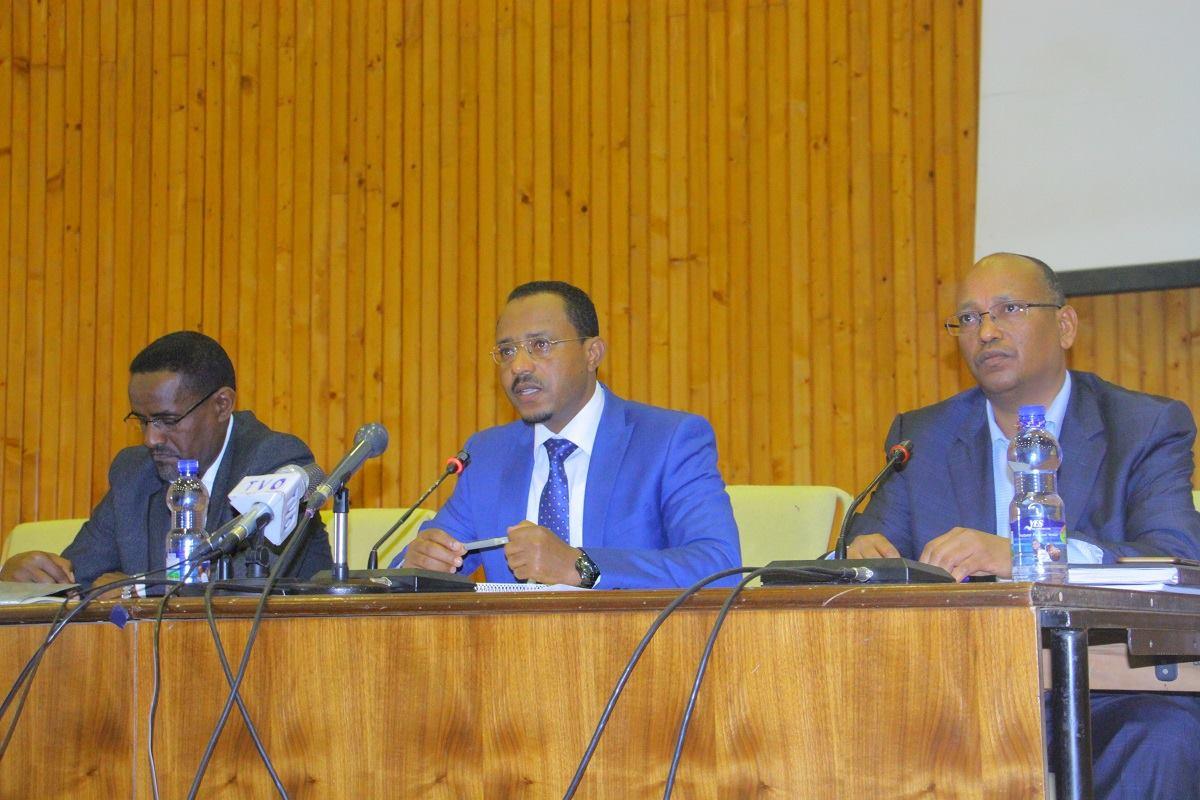 Photo - Vice Pres. Omer Hussein, Pres. Lemma Megersa, Vice Pres. Abdulaziz Mohammed of Oromia
