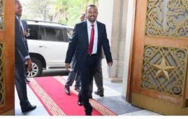 Photo - New PM Abiy Ahmed enters the Office of Prime Minister